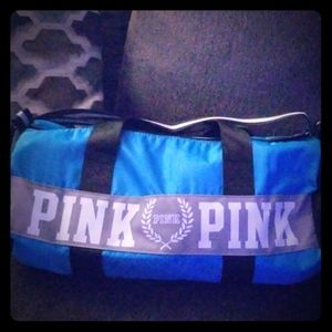 VS PINK DUFFEL BAG W/STRAP